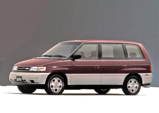 Původní hranatá Mazda MPV: Proč vznikla dříve než slavná MX-5?