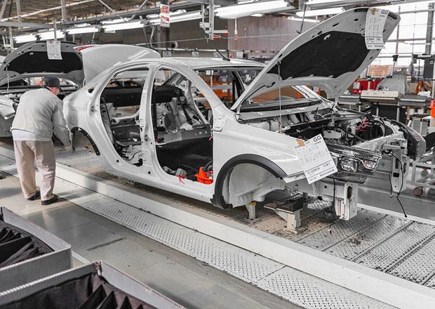 Lada začala vyrábět Vestu Cross sedan. Zaujme koncepce, s níž pohořelo Volvo?