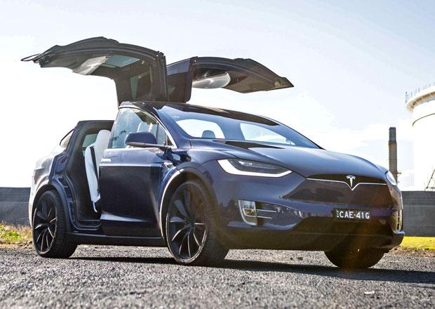 Tesla je na pokraji existence, krachnout může ještě letos, varuje Bloomberg