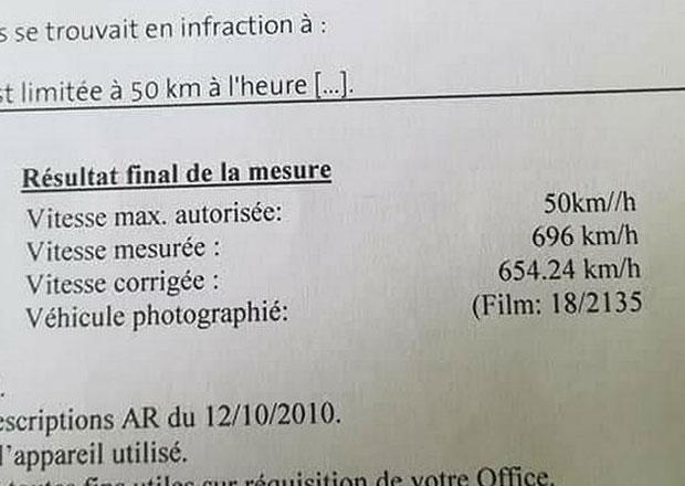 Řidiči naměřil radar rychlost 696 km/h! Nový světový rekord se ovšem nekoná