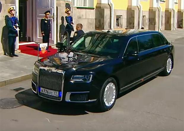 Tohle je napjatě očekávaná limuzína pro Putina. Ruský prezident se s ní svezl na inauguraci