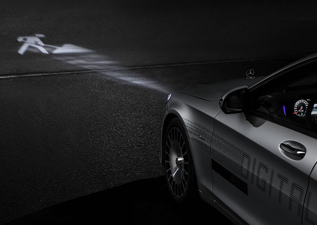 Mercedes nabídne unikátní digitální světla. K čemu poslouží?