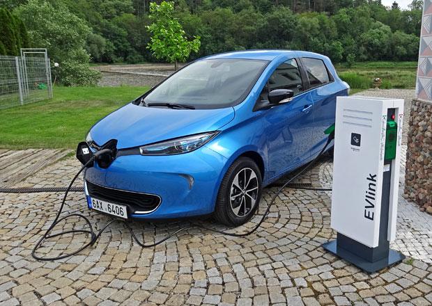 Nejprodávanější elektromobil Evropy dorazil do ČR. Kolik za něj dáte?