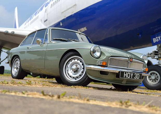 MG LE50 a Abingdon Edition ukrývají pod tvary klasických MG moderní techniku