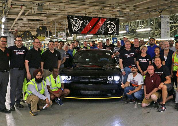 Výrobní linky opustil poslední Dodge Challenger SRT Demon. Ikona může být vaše!