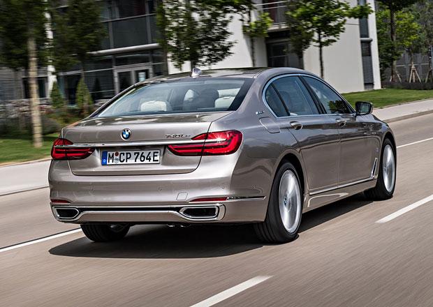 BMW 745e má být nový výkonnější plug-in hybrid: Jaký motor jej bude pohánět?