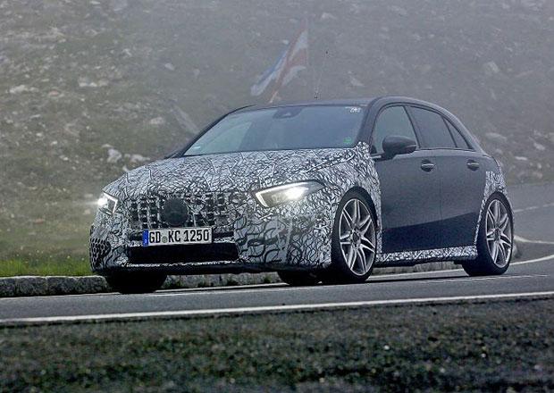 Mercedes-AMG A 45 zachycen špiony: Vrchol nového áčka ždímá z dvoulitru famózní výkon