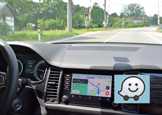 Dynamická navigace Waze na obrazovce v automobilu: Jak efektivně zrcadlit?