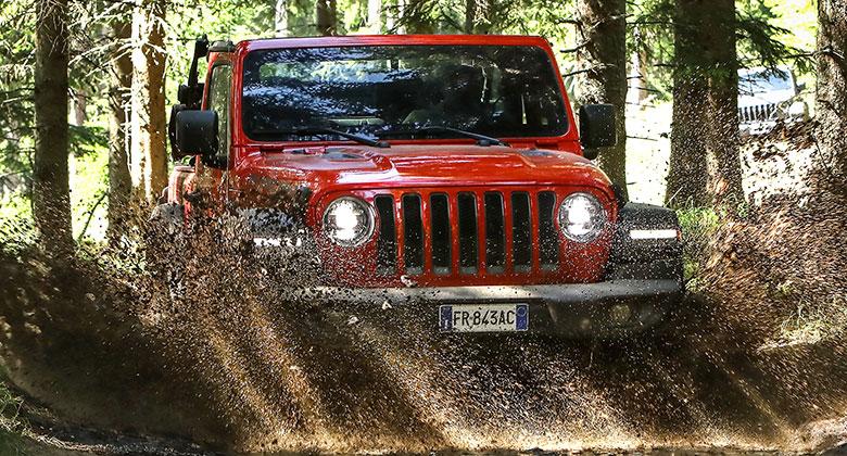 První dojmy: Nový Jeep Wrangler je pořád stejný drsňák