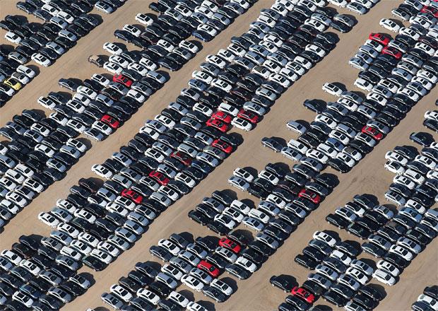Kde jsou nová auta? Některé modely nepůjdou objednat měsíce. Kvůli emisím