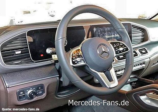 Nový Mercedes-Benz GLE prozrazuje svůj interiér!