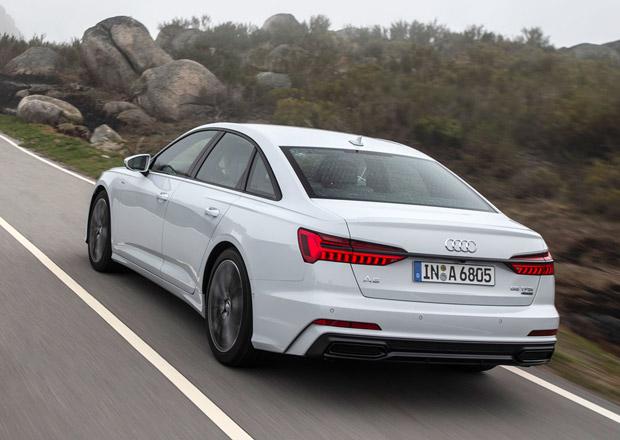 Audi A6 už koupíte se čtyřválcem. A vejdete se pod 1,4 milionu korun