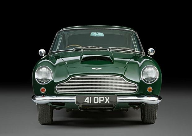 Do aukce míří Aston Martin DB4 GT, který ve filmu řídil a vlastnil Peter Sellers