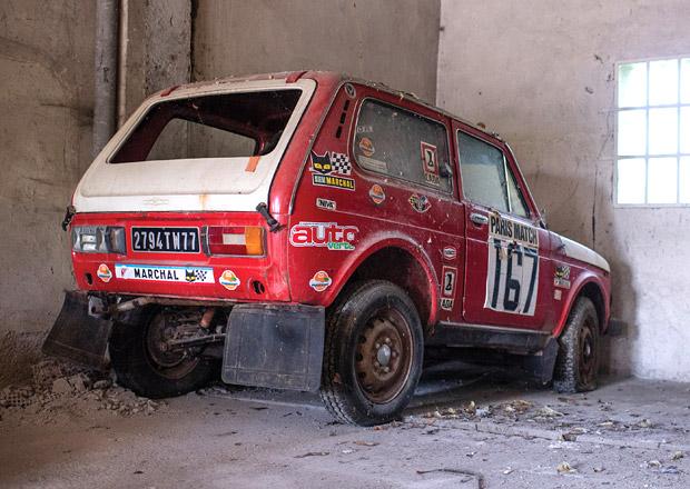 Lada Niva startující na Rallye Paříž-Dakar míří do aukce