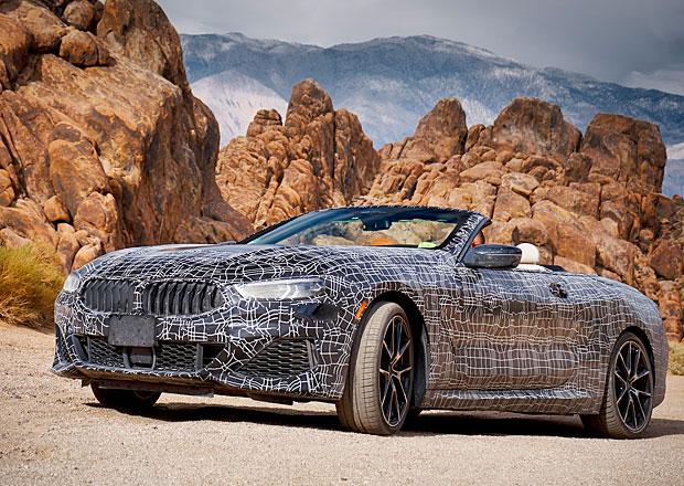 BMW 8 kabriolet je za dveřmi. Automobilka odhalila jeho první oficiální fotky