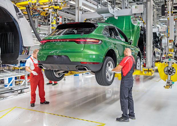 První modernizovaný Porsche Macan pro zákazníka sjel z výrobní linky