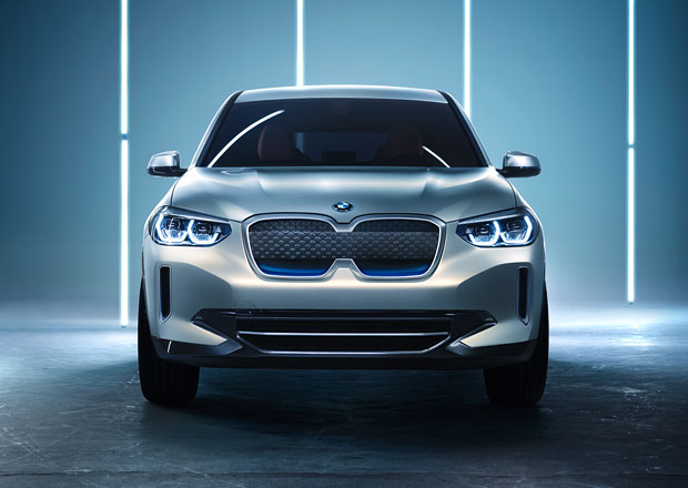 BMW X3 dostane plug-in hybrid. Přijede ještě před elektrickou iX3