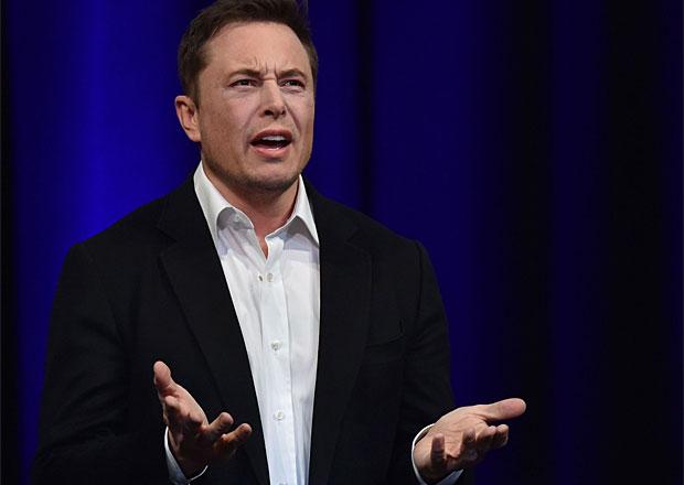 Musk končí jako předseda správní rady Tesly. Úřady mu nařídily odstoupit
