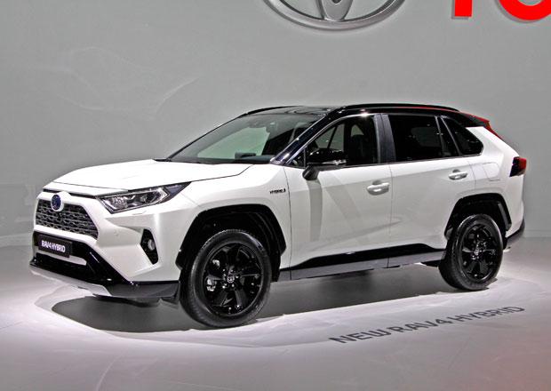 Paříž 2018 živě: Toyota RAV4 má hrany všude. A opravdu hodně prostoru vzadu