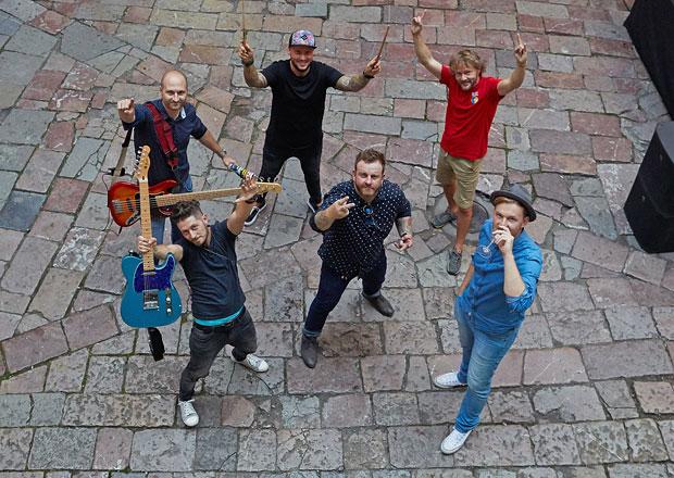 Rozhovor s kapelou Eddie Stoilow: Auto funguje jako revize našich písní