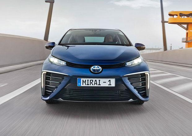 Šéf české Toyoty: Elektromobilita nemá jedno řešení. Musíme hledat více alternativ