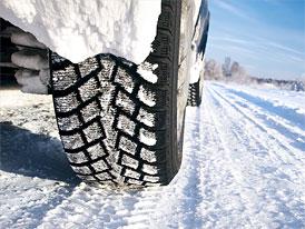 Sezona zimních pneumatik je tady. Opravdu víte, kdy musíte přezout?