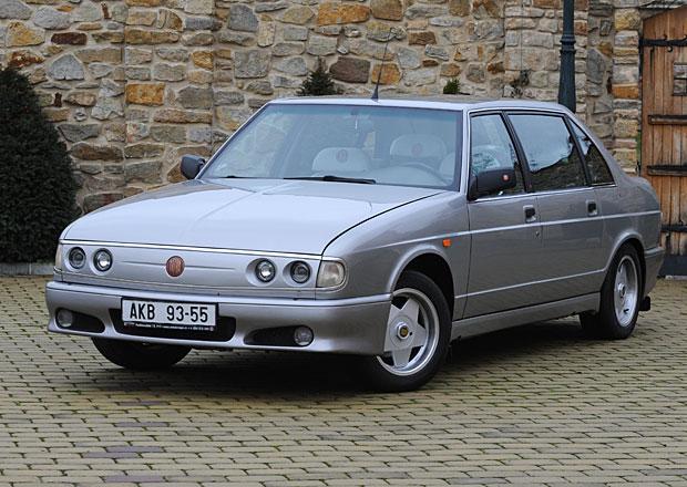 Na prodej jsou dvě extra vzácné Tatry 700: V jedné jezdil i prezident