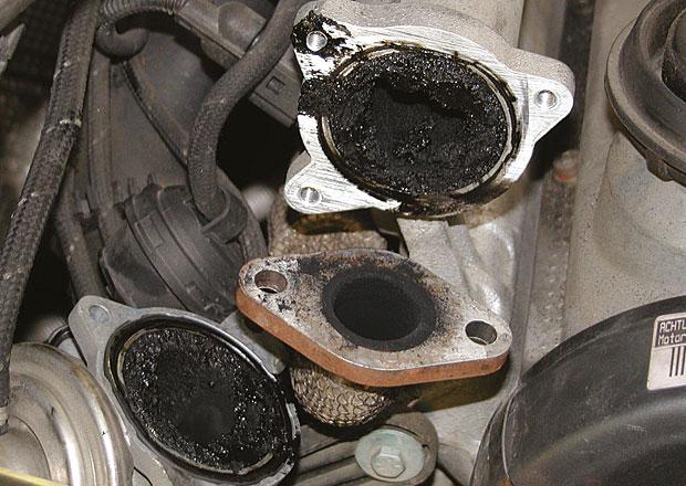 Neprošli jste na STK kvůli vysokým emisím? Pak zkuste dekarbonizaci motoru!
