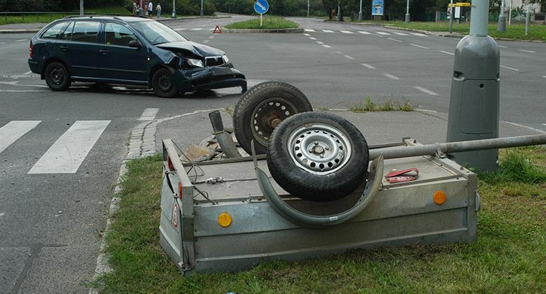Povinné ručení přívěsných vozíků: Proč jej platíme, když ani nemá motor?