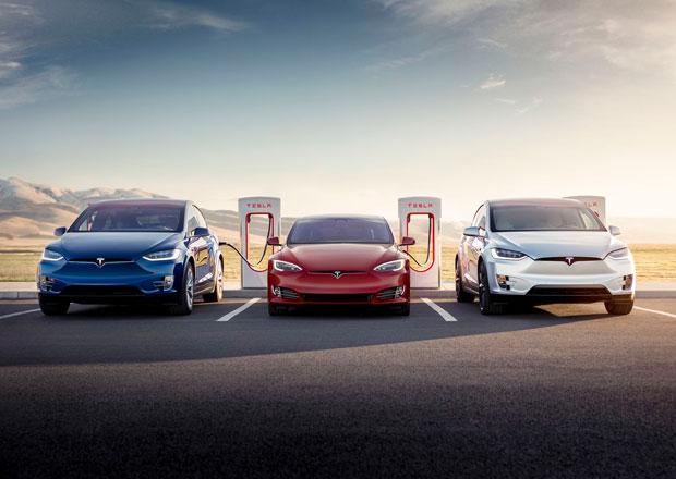 Tesla se chystá zdražovat. A se zavíráním prodejen to nebude tak horké