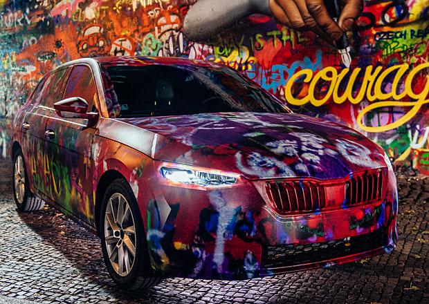 Škoda Scala se představuje jako streetartový objekt u Lennonovy zdi