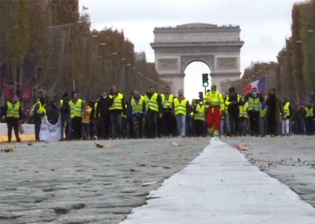 Francouzská petice žlutých vest má již přes milion podpisů