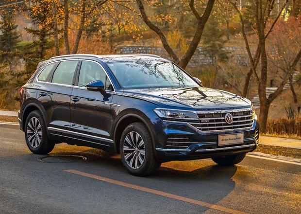 VW Touareg prozrazuje podrobnosti o plug-in hybridu. Dorazí i do Evropy