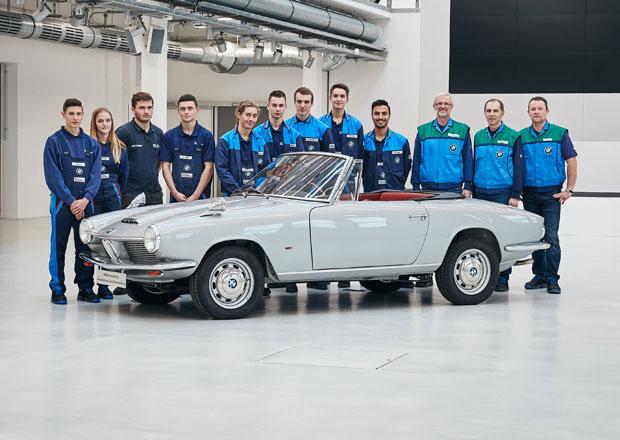 Učni BMW restaurovali krásné 1600 GT kabrio. Je jediné na světě!