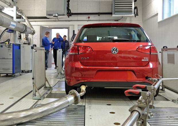 Zničí absurdní evropská legislativa celý autoprůmysl? Proč to v Bruselu vlastně dělají?