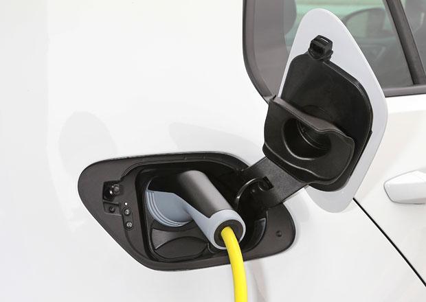 Počet elektromobilů v ČR se loni zvýšil o 82 procent na 703 vozů