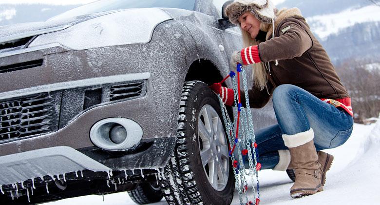 Víte, jak nasadit sněhové řetězy? Podívejte se na videonávod