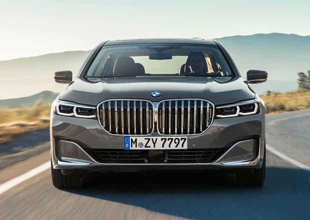 Omlazené BMW řady 7 oficiálně: Ledvinky rostou, dvanáctiválec se vrací!