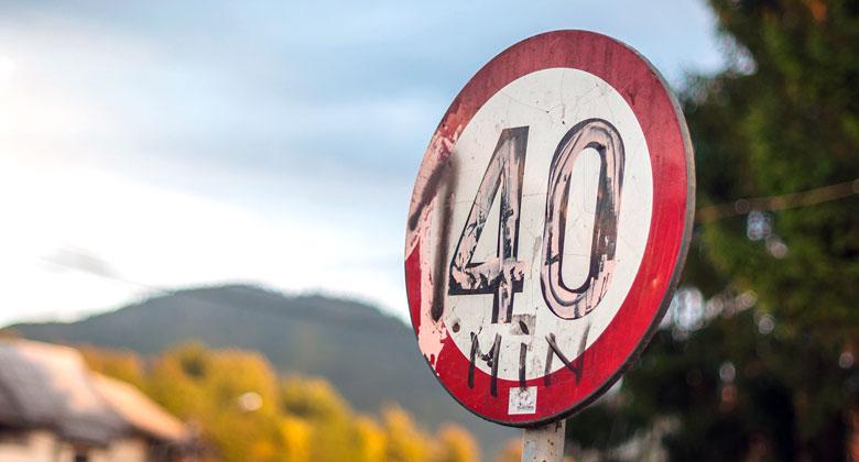 Poškozené dopravní značky: V jakých případech si jimi nemusíme řídit?
