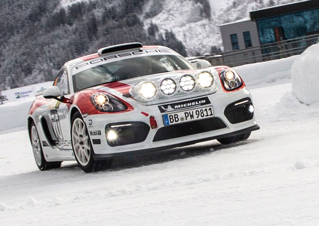 Porsche Cayman GT4 Rallye vrací svou značku na tratě soutěží
