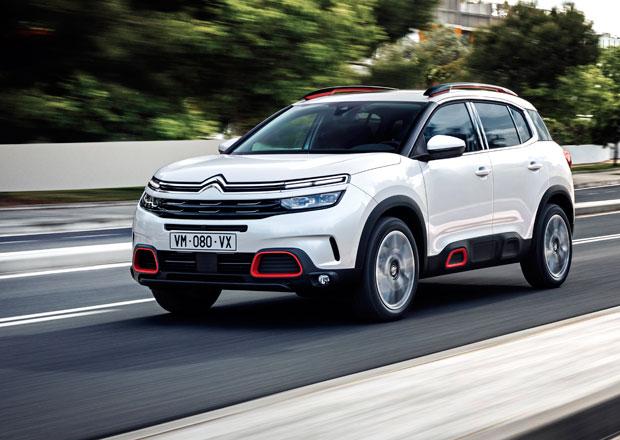 """Citroën C5 Aircross jsme vyzkoušeli na českých silnicích. Jak fungují """"zázračné"""" tlumiče?"""