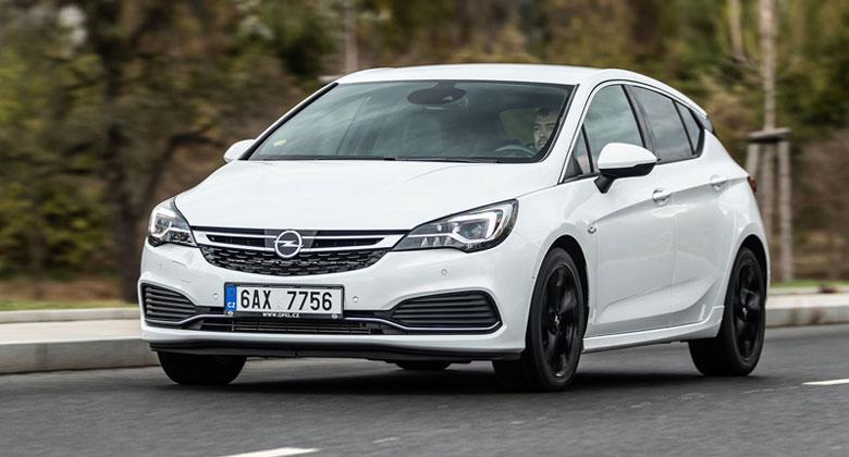Nejoblíbenější barvy automobilů za loňský rok? Drtivé vítězství pro bílou