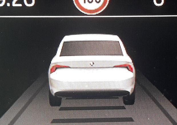 Nová Škoda Octavia nedopatřením poodhalena. Našli jsme ji v palubním počítači Superbu