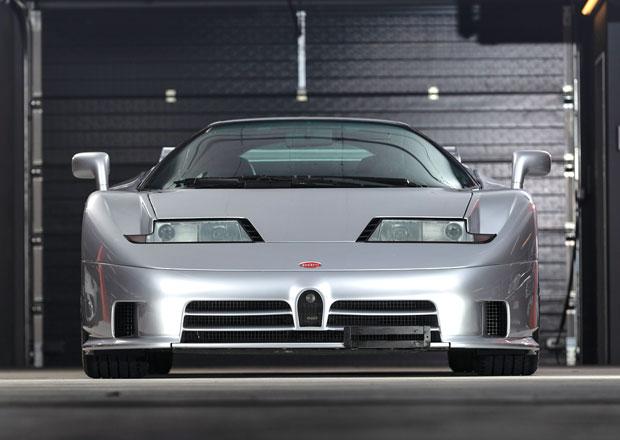 Tato Bugatti EB110 SS má najeto jen 916 km a čeká na nového majitele