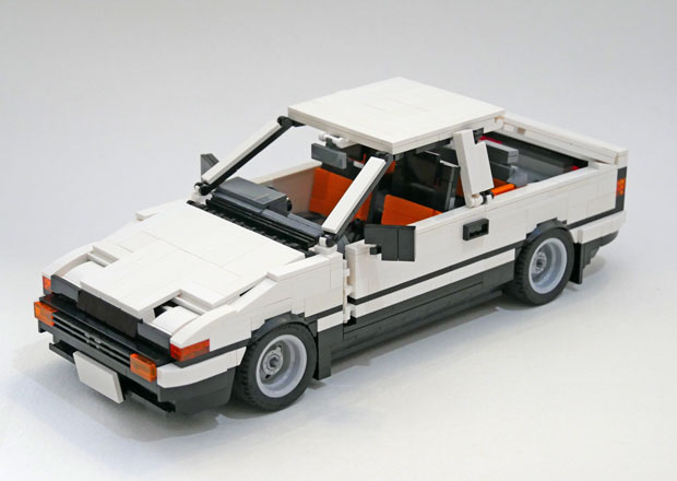 Sportovní kupé Toyoty zářilo v animovaném seriálu. Teď může být z Lega