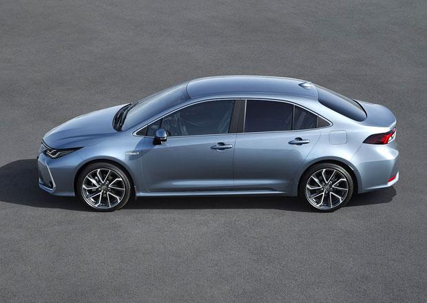 Nová Toyota Corolla sedan vstupuje na český trh. Kolik stojí v porovnání s konkurencí?