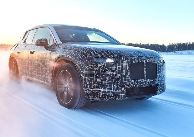 BMW už testuje svoji novou vlajkovou loď. Elektrické SUV!