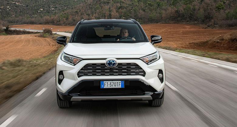 Evropský trh v lednu 2019: Pád prodejů pokračuje. Toyota předstihla Škodu, Peugeot druhý