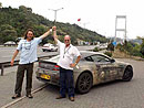 Aston Martin V8 Vantage a jeho posádka dokončili rekordní jízdu