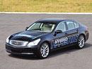 Nissan představil hybridní Infiniti, elektromobil a nové lithiové články